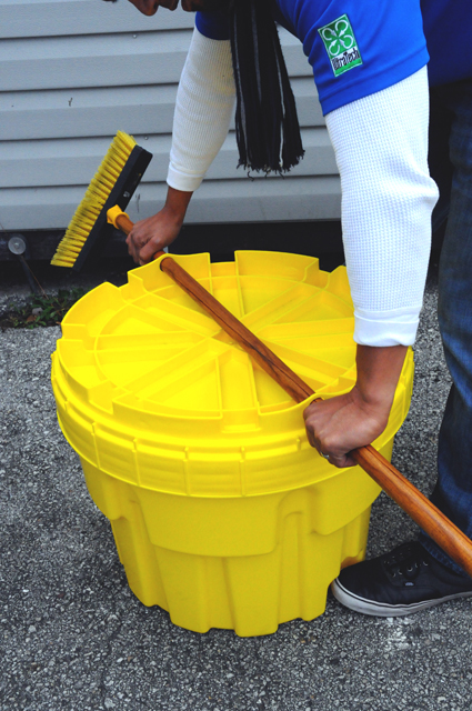 UltraTech Overpack Barrel Broom Handle